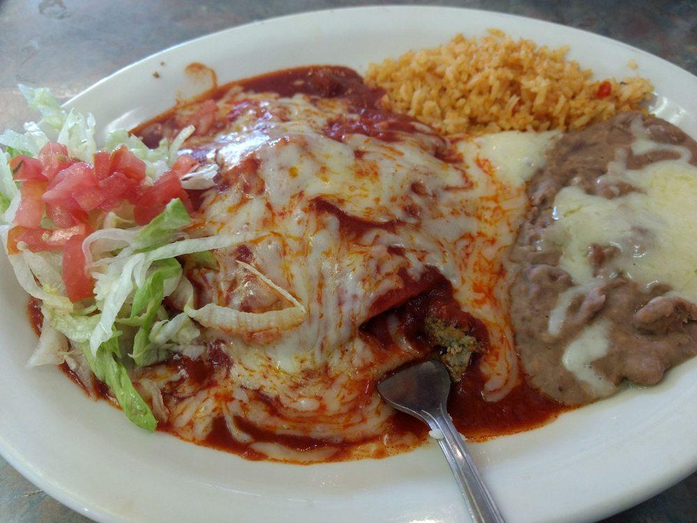 Restaurant La Parrilla  Mexican Grill: 205 W Marland St, Hobbs, NM