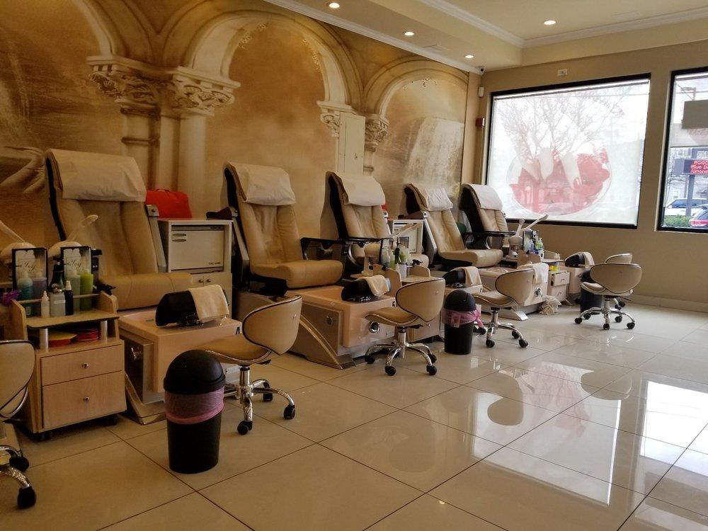 J&J Nail Salon & Spa: 375 Admiral St, Providence, RI