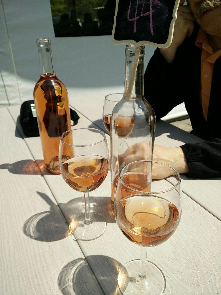 Muscedere Vineyards: 7457 County Road 18, Harrow, ON