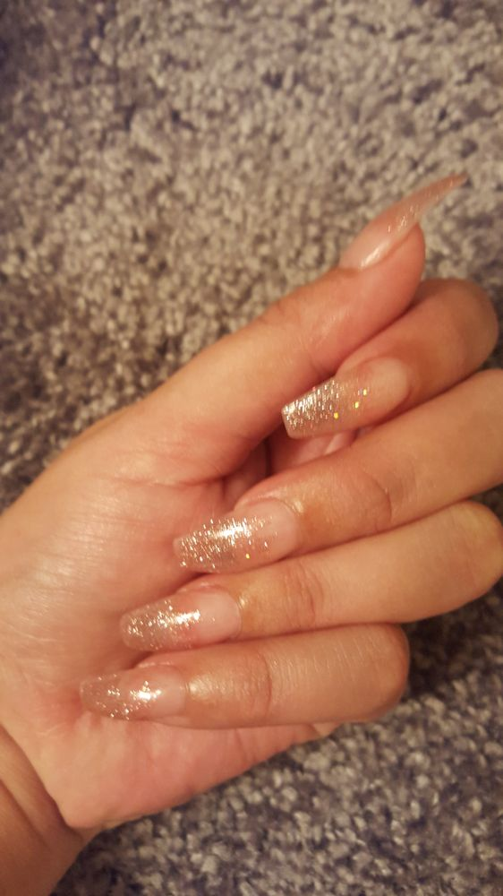 1/4/18 I love how my nails always turn out. I\'ve never left ...