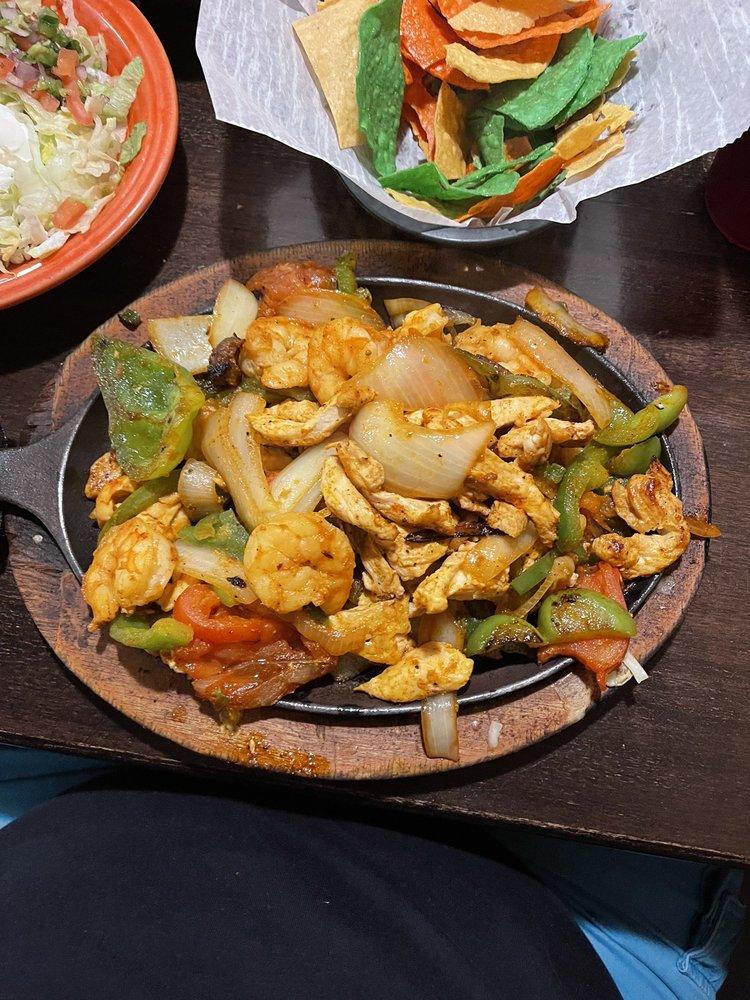 Los Portales Mexican Restaurant: 6541 Market Dr, Gloucester, VA