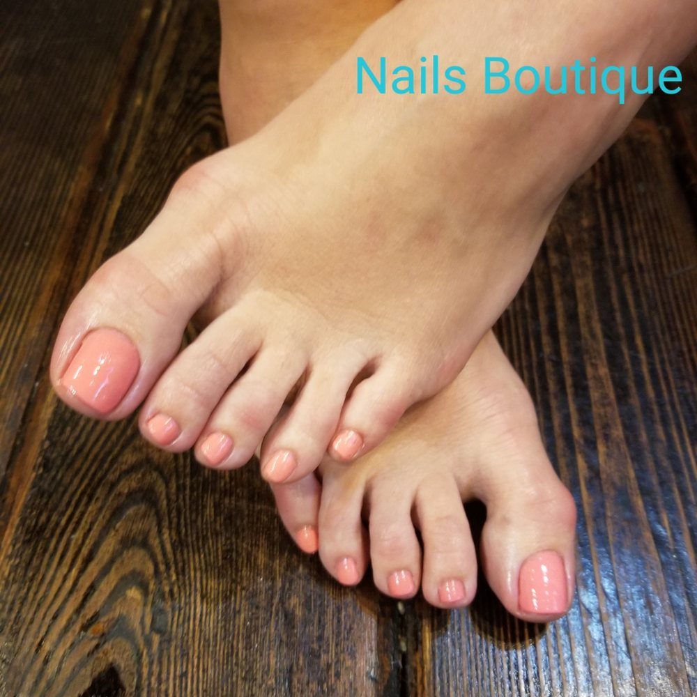 Nails Boutique: 612 W Webster Ave, Chicago, IL