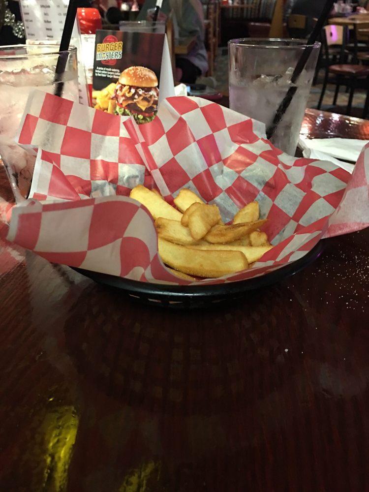 Red Robin Gourmet Burgers and Brews: 5785 Harvey St, Norton Shores, MI