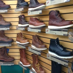 Red Wing Shoe Store - 12 Photos & 18 Reviews - Shoe Stores - 14254 ...