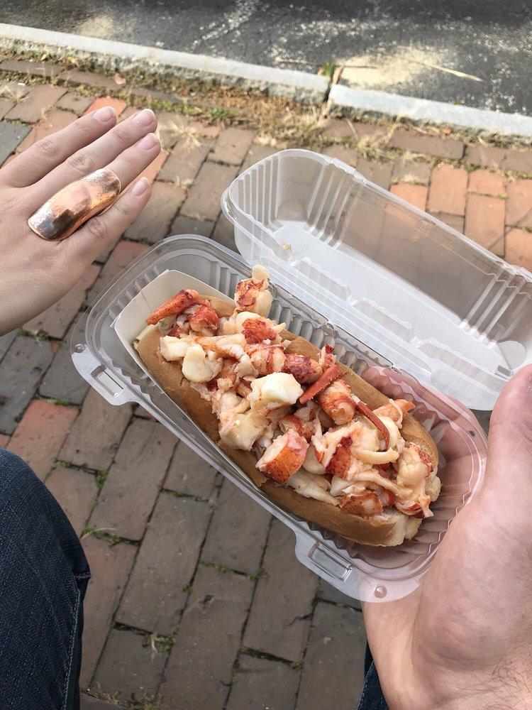 Port Lobster Co: 122 Ocean Ave, Kennebunkport, ME