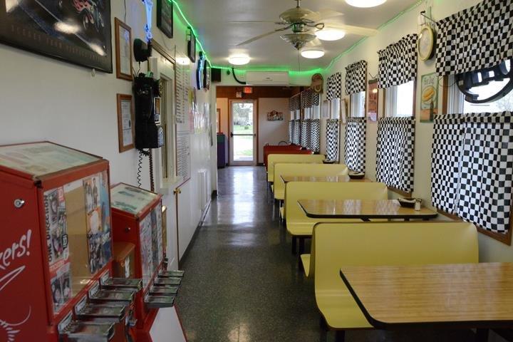 Rock N Roll Dairy Bar & Raceway: 1110 S Madison Ave, Ottumwa, IA
