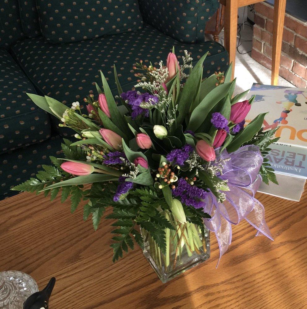 Bayview Florist: 2711 Zion Rd, Northfield, NJ