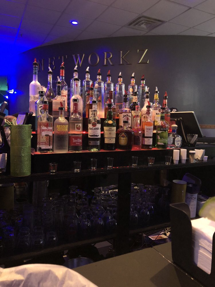 Networkz Resturant & Lounge: 3560 Mayfield Rd, Cleveland Heights, OH