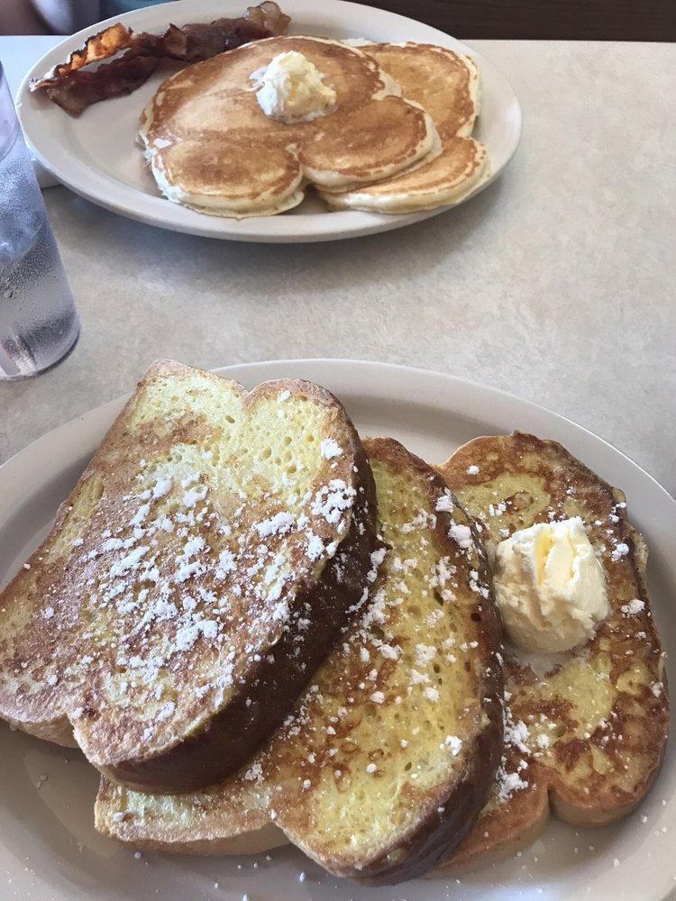 Brick House Cafe: 2974 US Highway 63, Barronett, WI