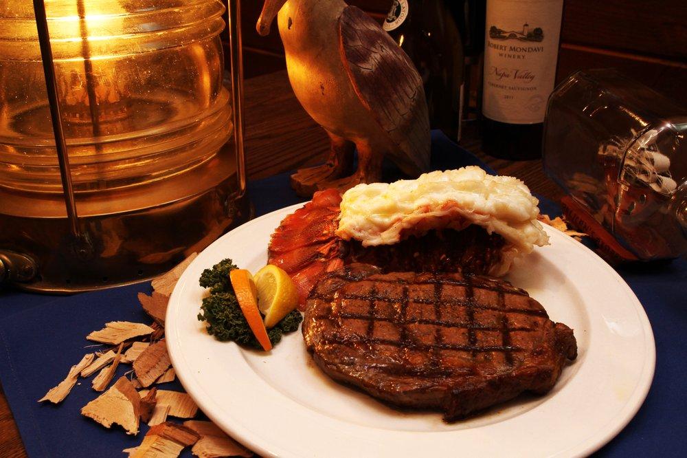 Pelican's Steak & Seafood: 130 Shadow Mountain Dr, El Paso, TX