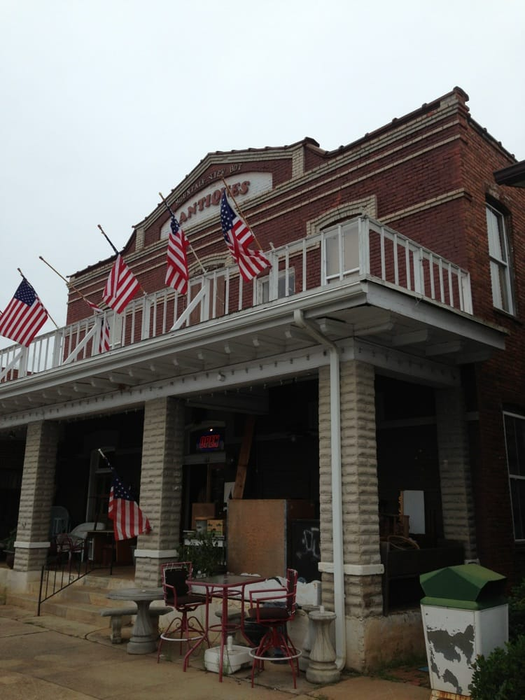 Mountain View Hotel Antiques: 108 NW Main St, Easley, SC