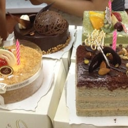 Photo Of Rt Pastry House Klang Selangor Malaysia 4 Diffe Cakes Bought By