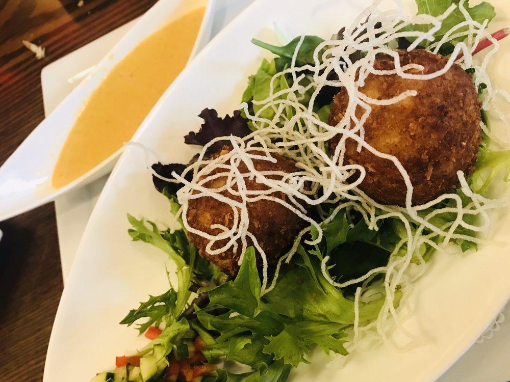 Kome Thai & Sushi Bistro: 120 W German, Shepherdstown, WV