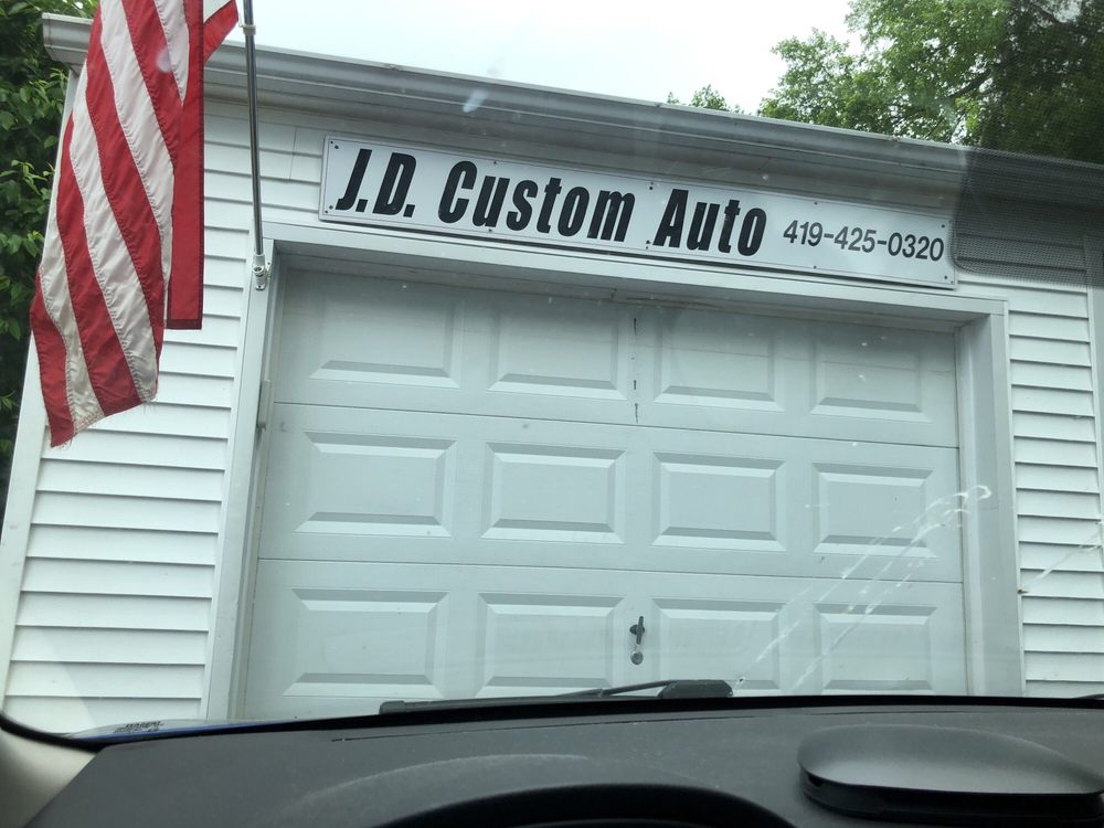 J D's Custom Auto Accessories: 719 Beech Ave, Findlay, OH