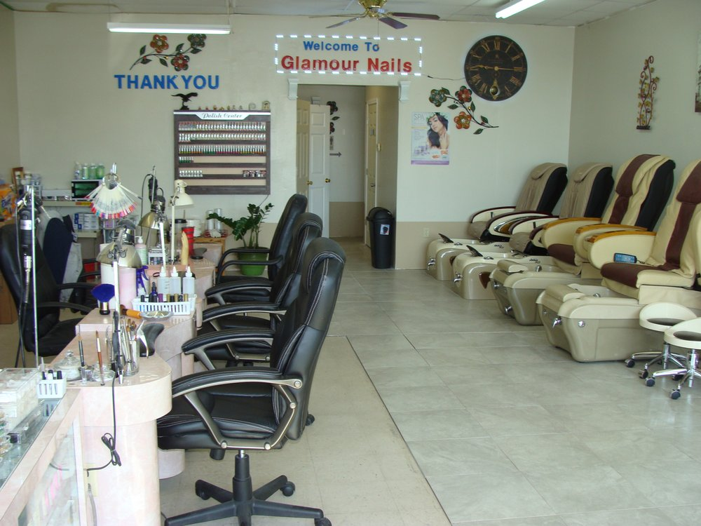 Glamour Nails: 144 Woodell St, Clinton, AR