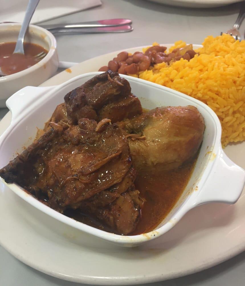 Pollo guisado with rice beans yelp for Cocina dominicana