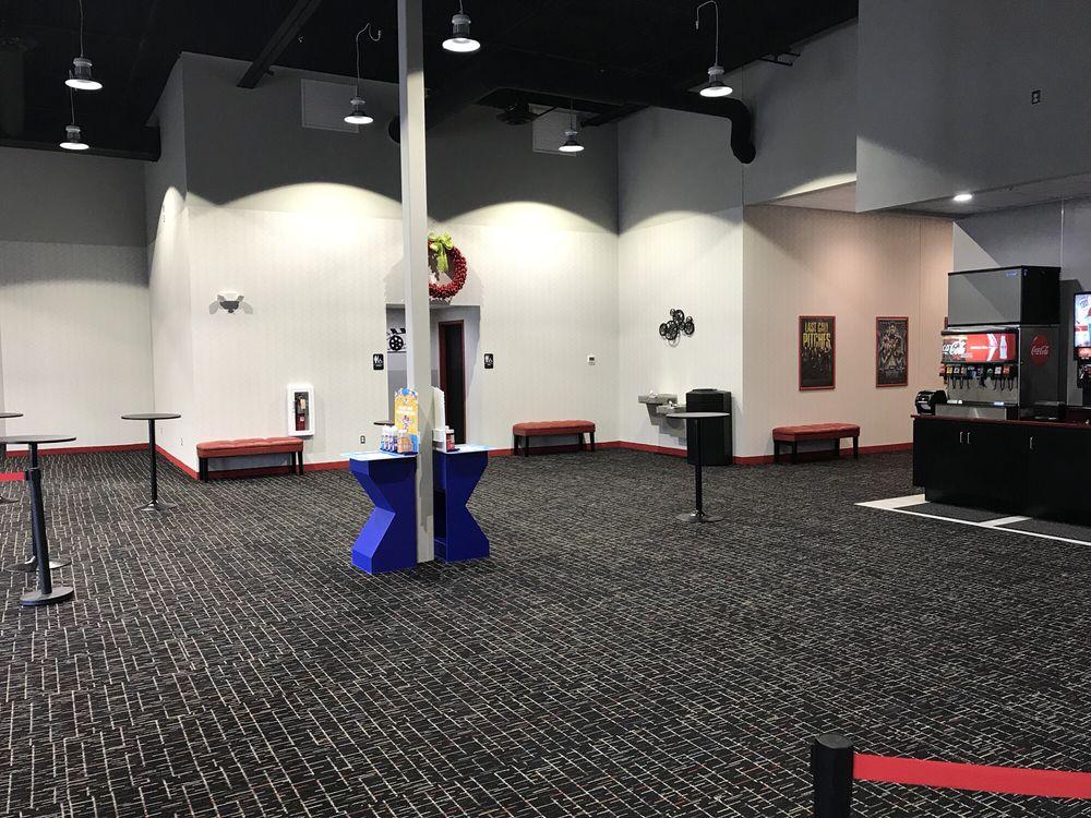 Cannon Valley Cinema 10: 404 Schilling Dr, Dundas, MN