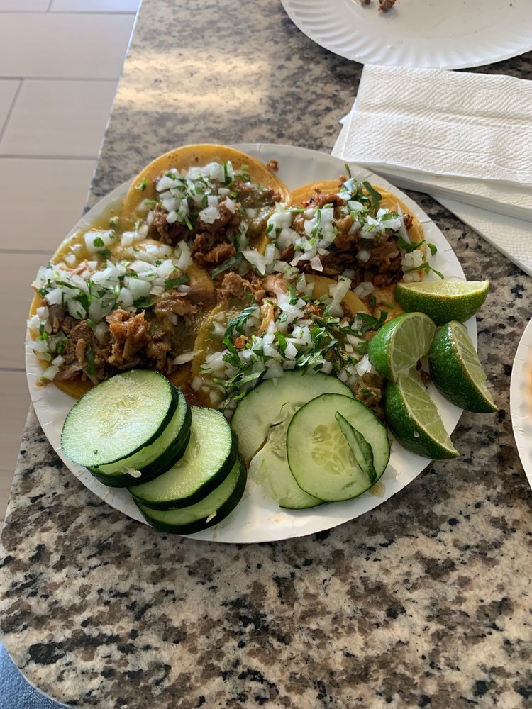 Tacos El Chuleton: 540 W 4th St, Perris, CA