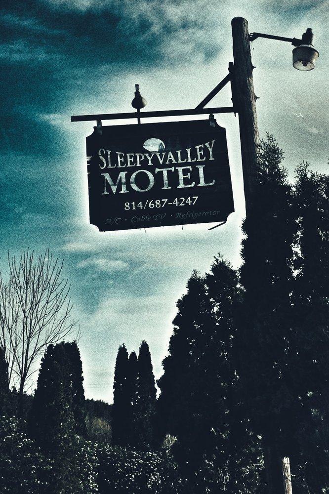 Sleepy Valley Motel: 2146 Beaver Valley Rd, Flinton, PA