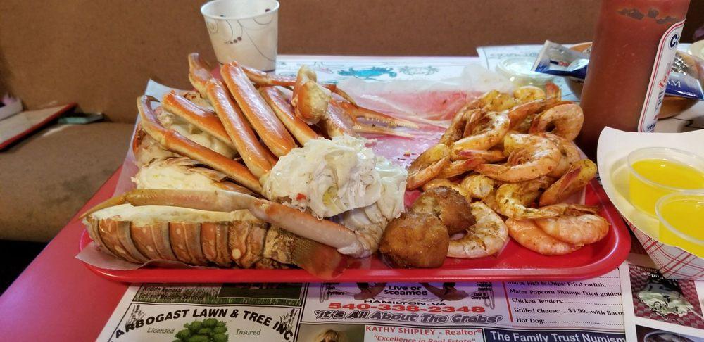 Lowry's Crab Shack: 420 W Colonial Hwy, Hamilton, VA