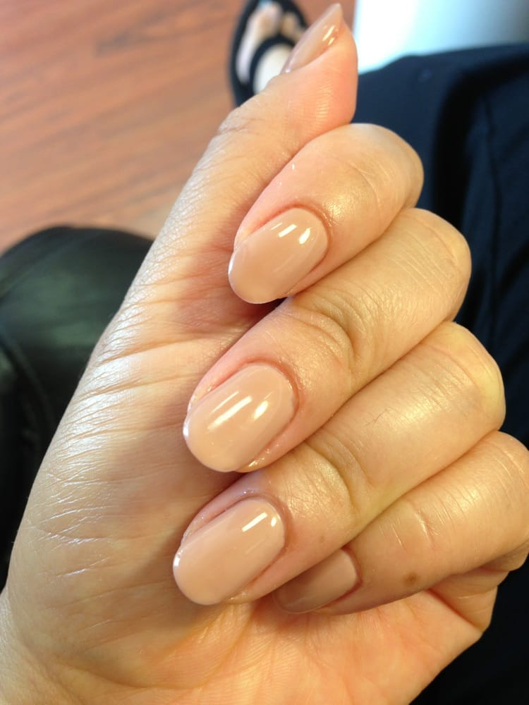 Helen\'s awesome! Love love my gel nudes! I\'m liking the round shape ...