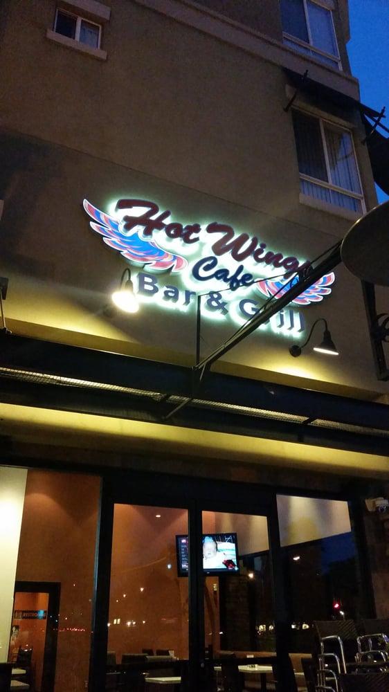 Hot Wings Cafe Valencia Ca