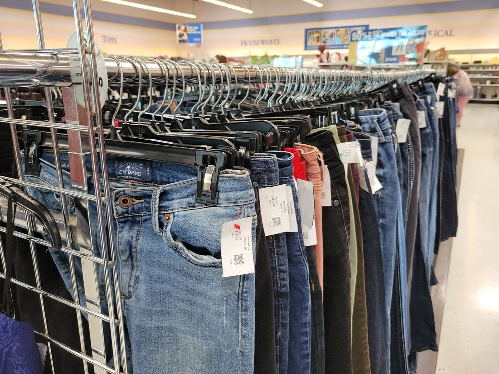 Goodwill Superstore: 1218 W 6th St, The Dalles, OR