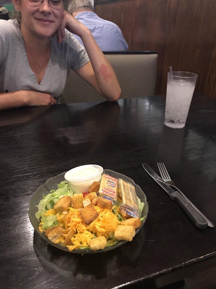 King Kitchen Family Restaurant: 521 S Main St, King, NC