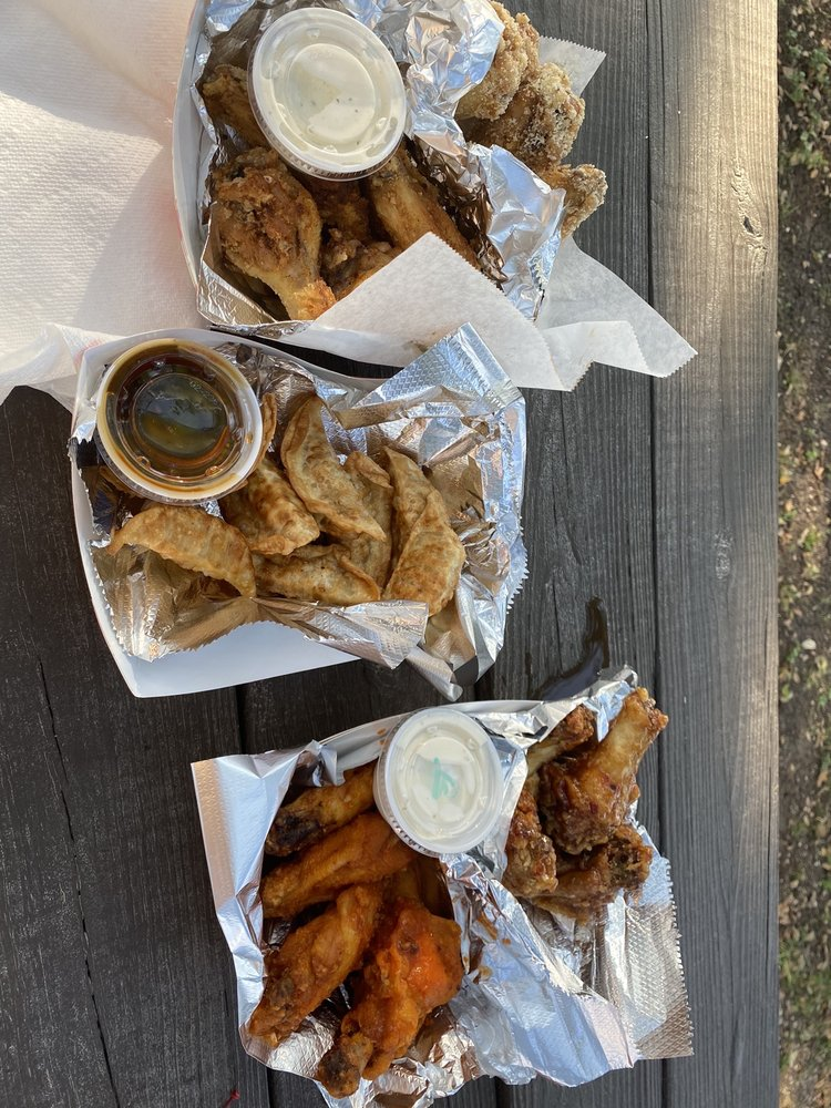 Dripping Wings: 1005 W Hwy 290, Dripping Springs, TX