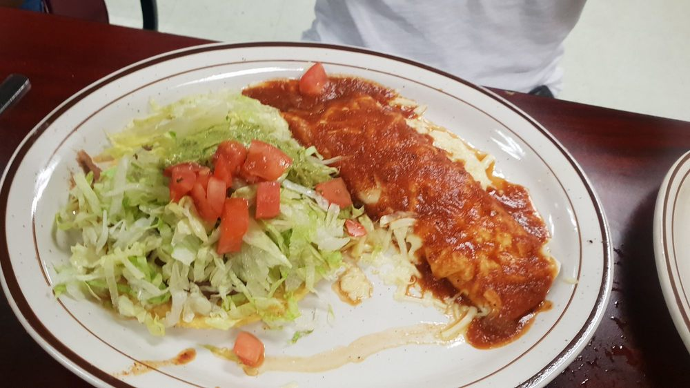 Los Dos Charros Mexican Restaurant: 560 S Washington St, Dale, IN