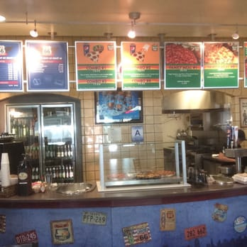 round table pizza - pizza - reviews - ontario, ca - 2900 e airport
