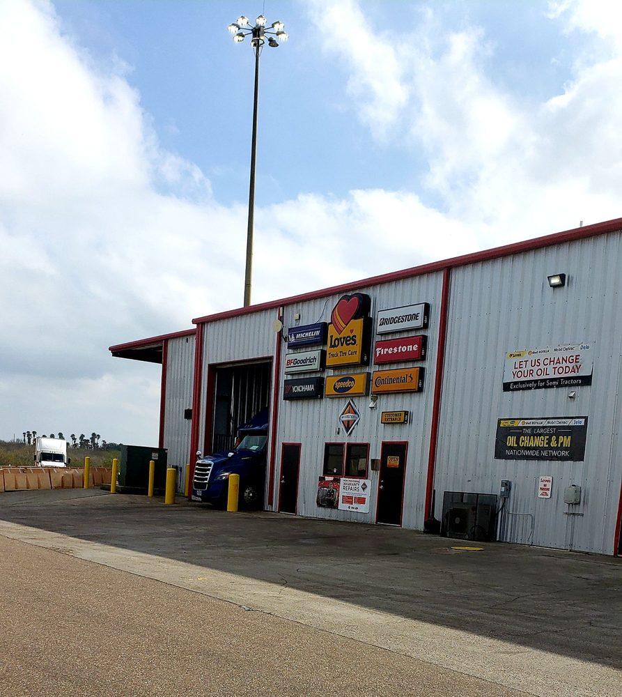 Love's Travel Stop: 28527 Interstate 35, Encinal, TX