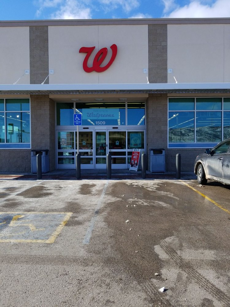 Walgreens: 1509 E Santa Fe Ave, Grants, NM