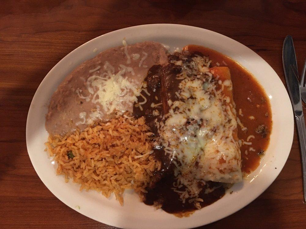 El Vallarta Mexican Restaurant & Cantina: 3101 E State St, Hermitage, PA