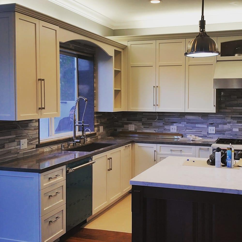 Kitchen Remodeling Manhattan: Custom Kitchen Design By Hampton Woodwork In The Tree