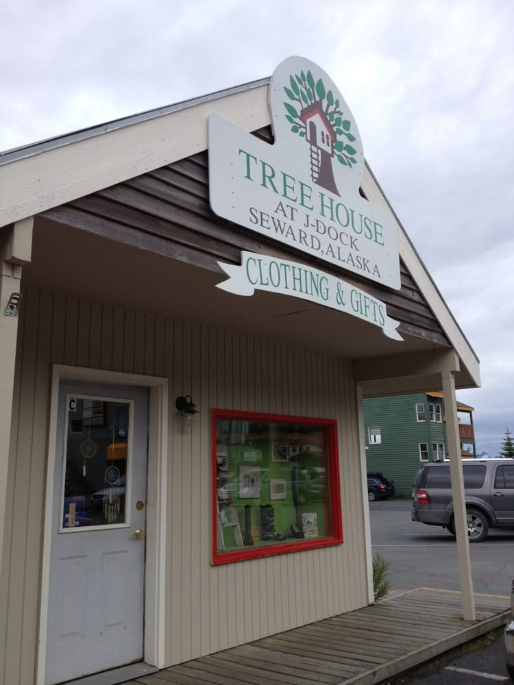 Treehouse: 1406 4th Ave, Seward, AK
