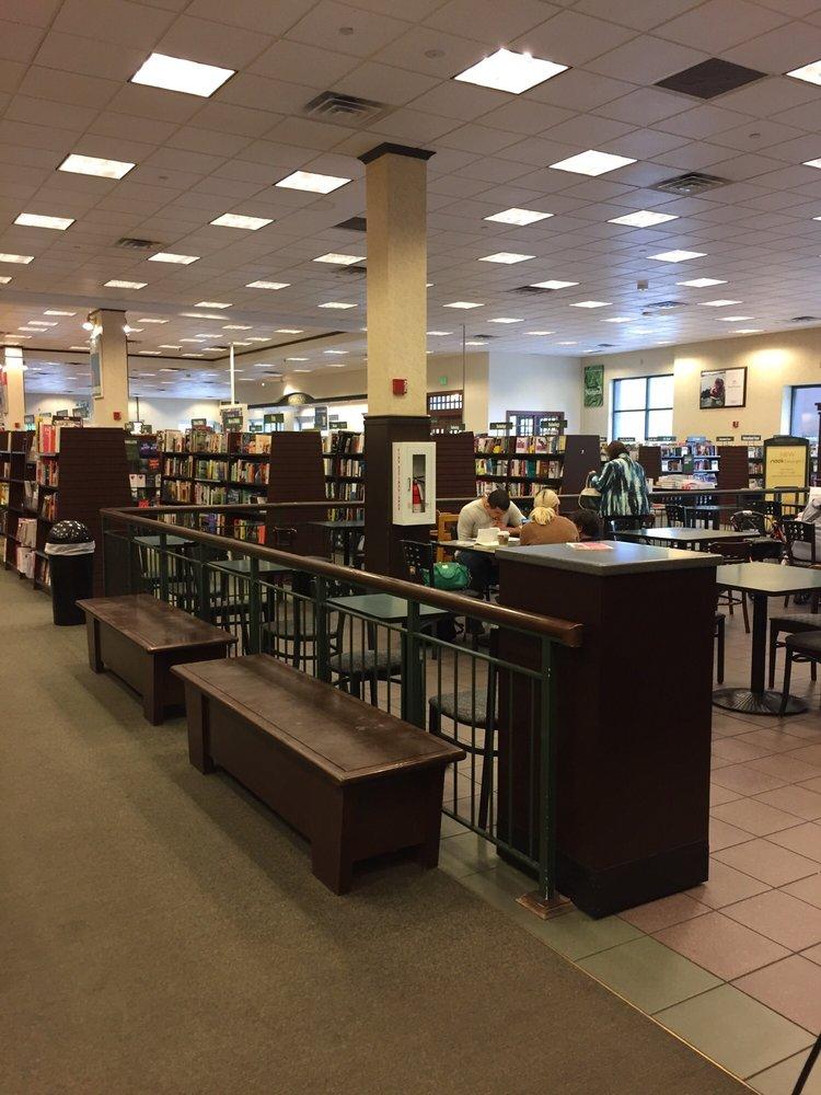 Barnes & Noble: 19401 Alderwood Mall Pkwy, Lynnwood, WA
