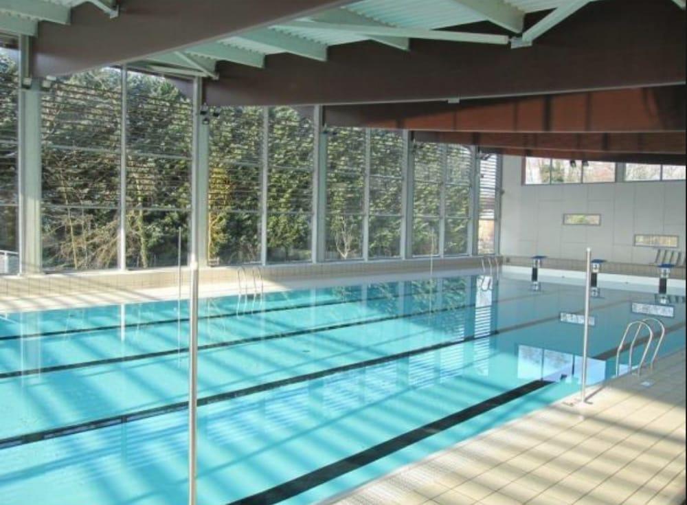 Piscine e caux bulles yvetot swimming pools 1 avenue for Piscine yvetot