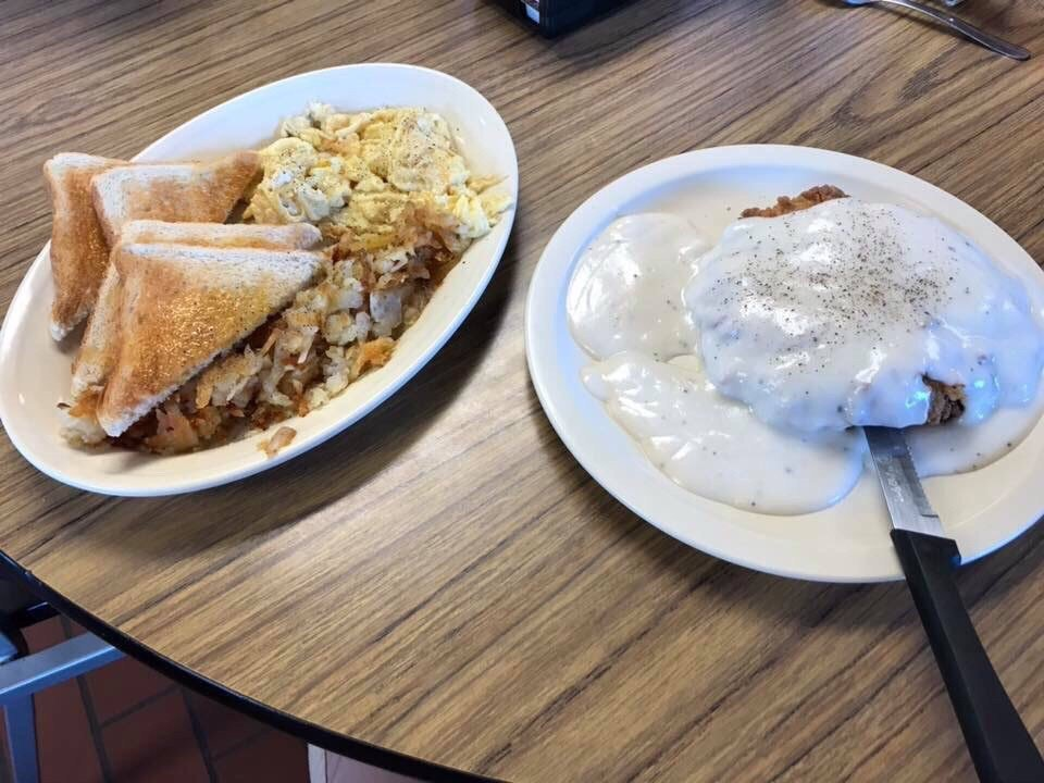 The Family Diner: 119 N 2nd, Gracemont, OK