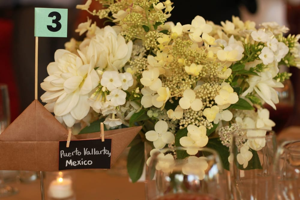 White And Green Wedding Centerpieces With 2 Vases From Ikea