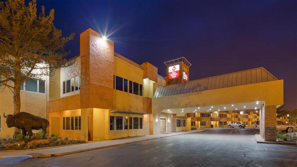 SureStay Plus Hotel by Best Western Lawton: 1125 E Gore Blvd, Lawton, OK