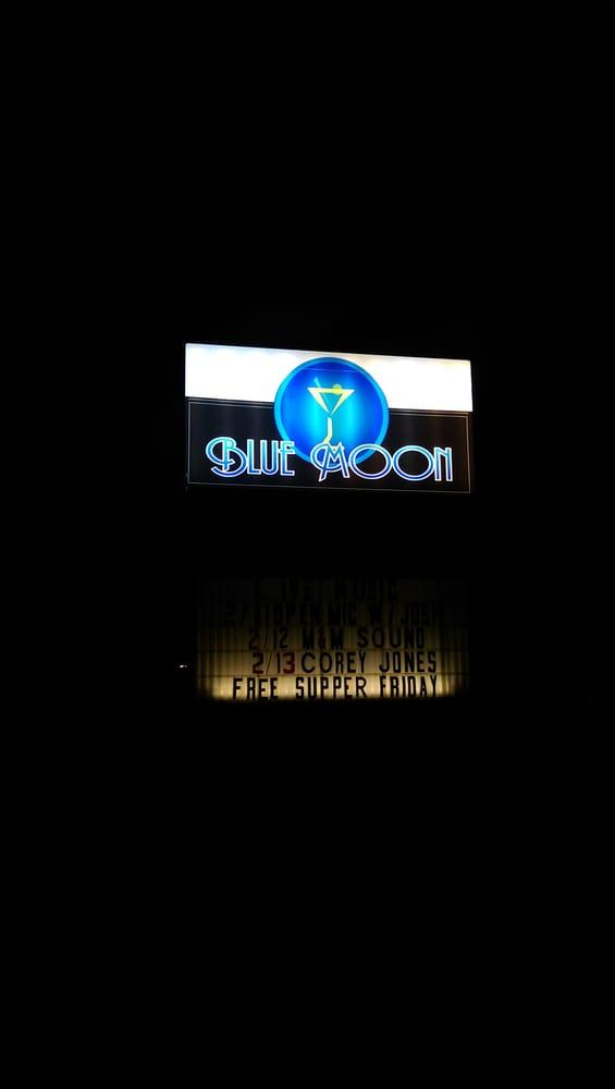 Blue Moon Lounge & Liquors: 4537 Chantilly Way, Milton, FL