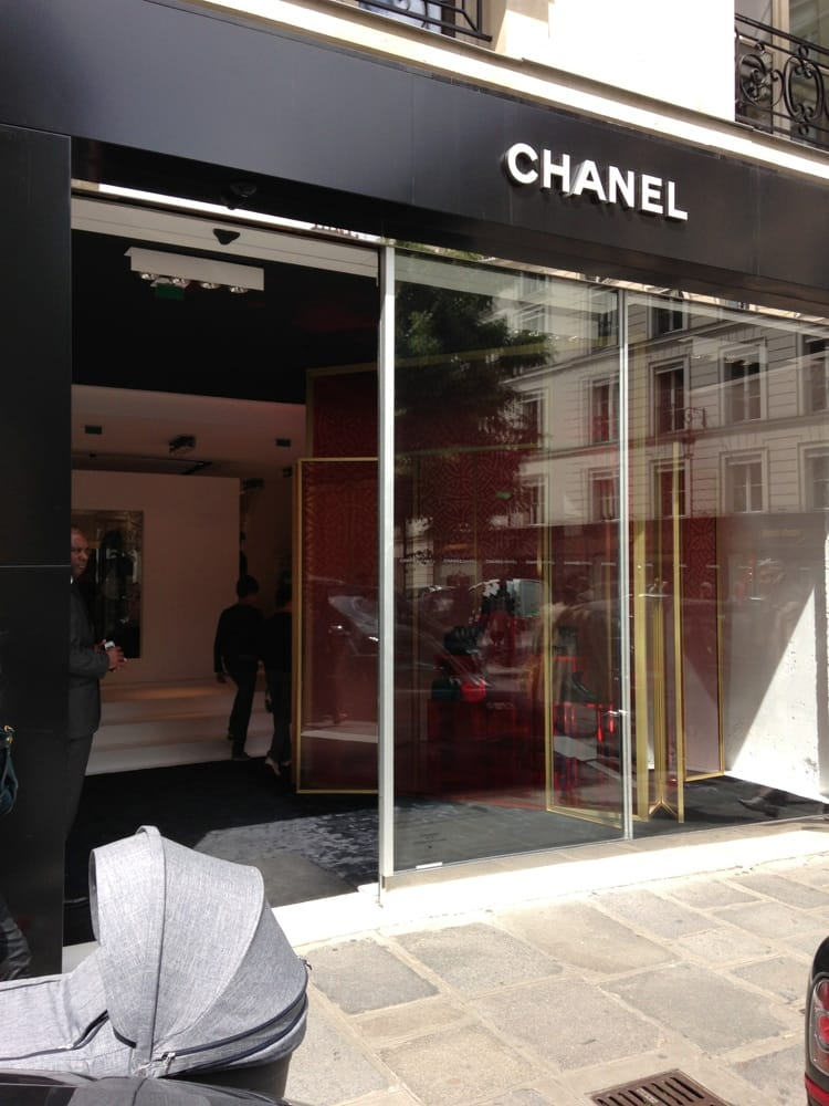 Chanel fashion 21 rue fbg st honor concorde for Chanel locations in paris