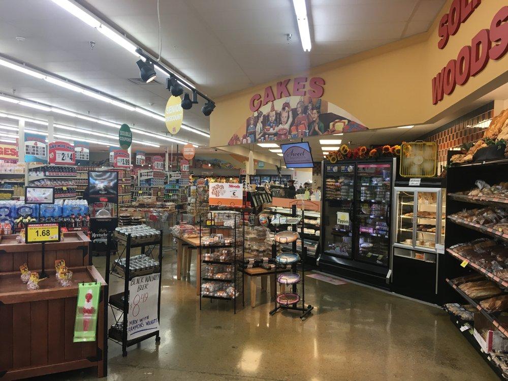Woods Supermarket: 1109 South St, Stockton, MO
