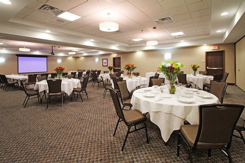 Hilton Garden Inn Tulsa Midtown 48 Foton 24 Recensioner Hotell 4518 E Skelly Dr Midtown