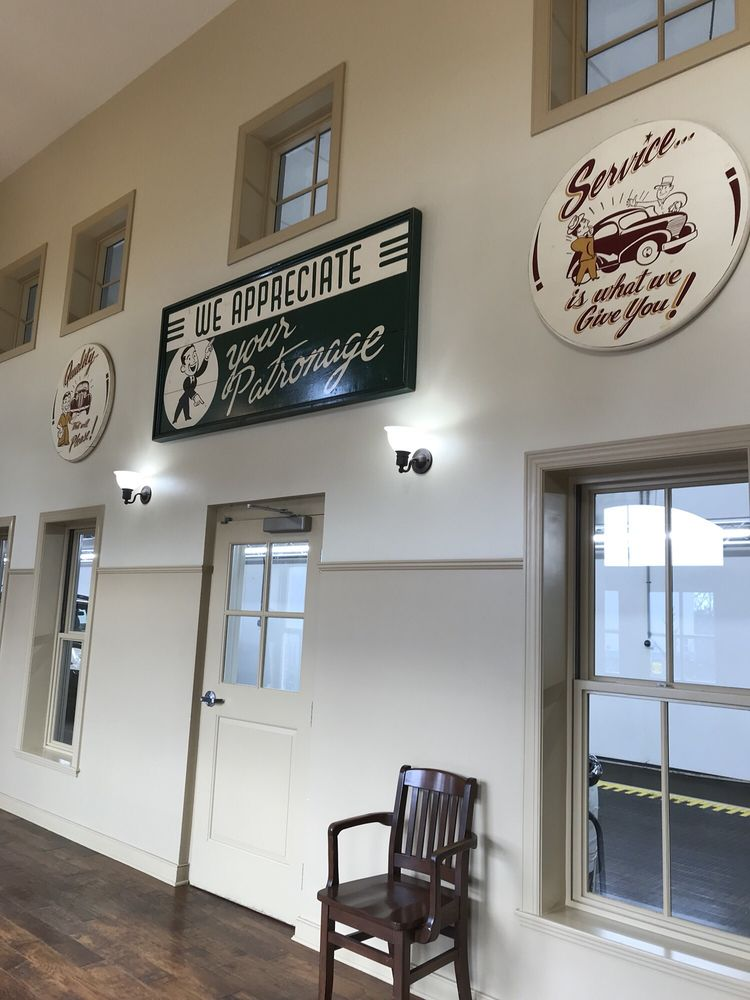 Flagship Carwash Center - South Riding: 43185 Town Hall Plz, Chantilly, VA