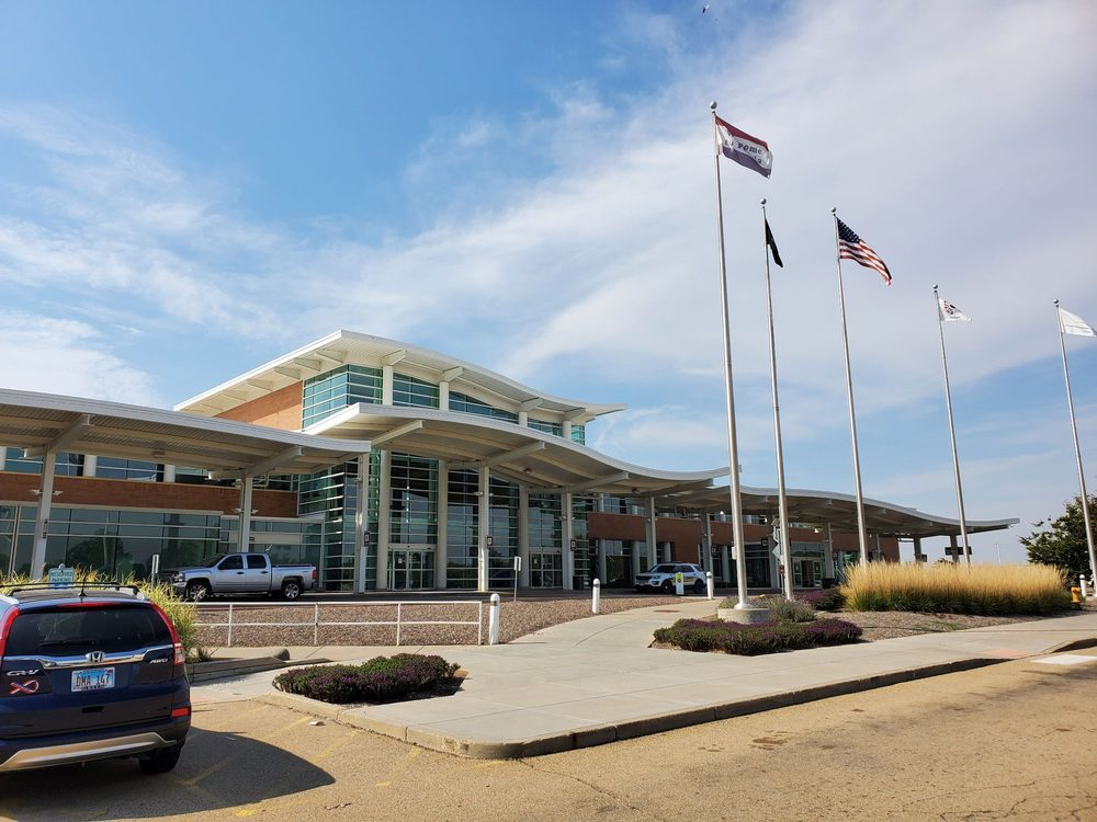 Peoria International Airport - PIA: 6100 W Everett Mckinley Dirksen Pkwy, Peoria, IL