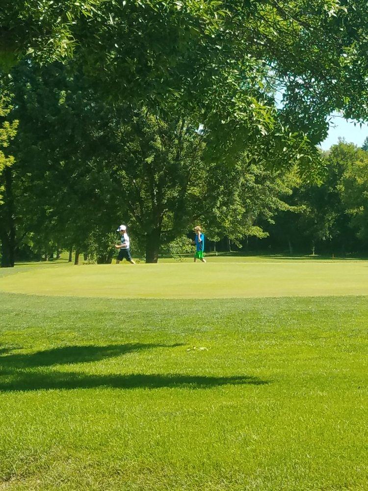Legacy Golf: 1515 Shumway Ave, Faribault, MN