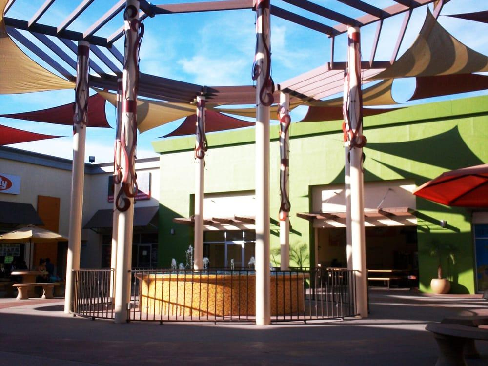 Plaza Loma Bonita: Blvd. Salvatierra 7200, Tijuana, BCN