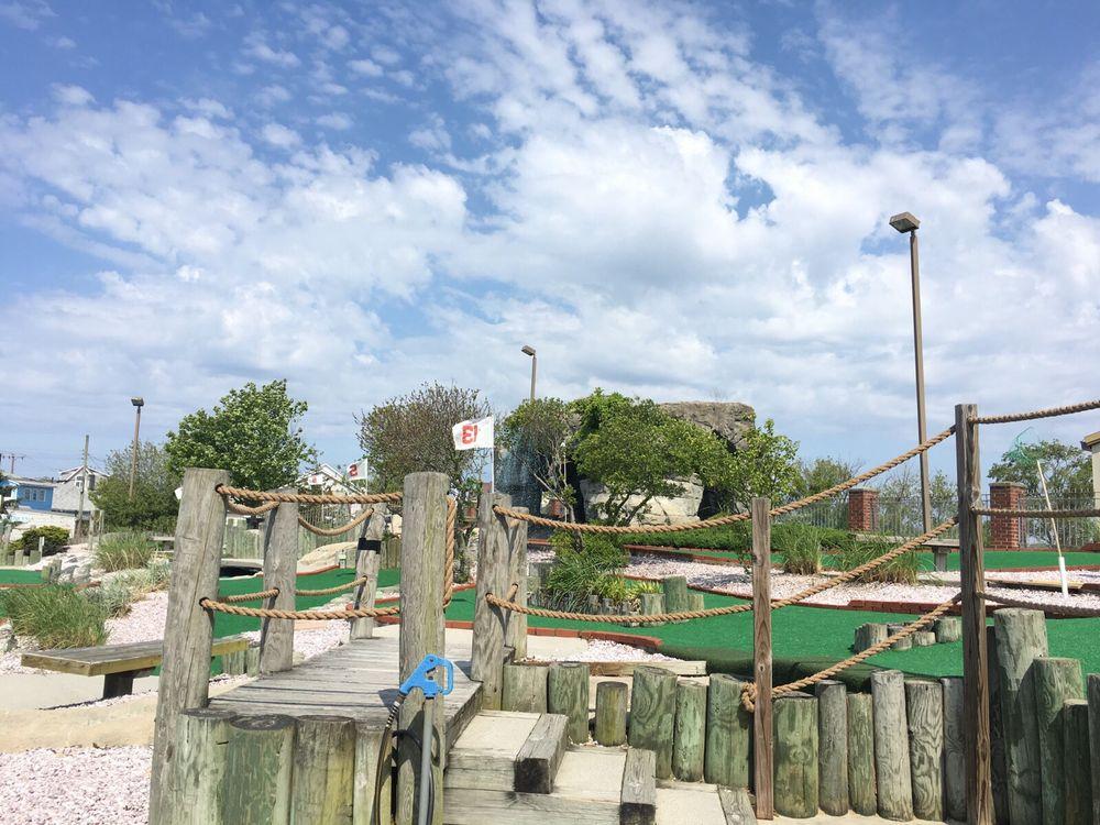 Cape May Miniature Golf: 315 Jackson St, Cape May, NJ
